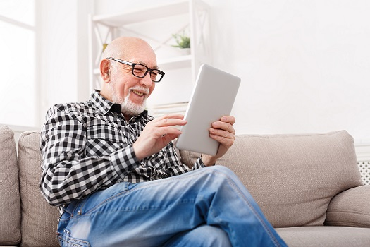 How to Simplify Technology for Aging Adults in Carmichael, CA